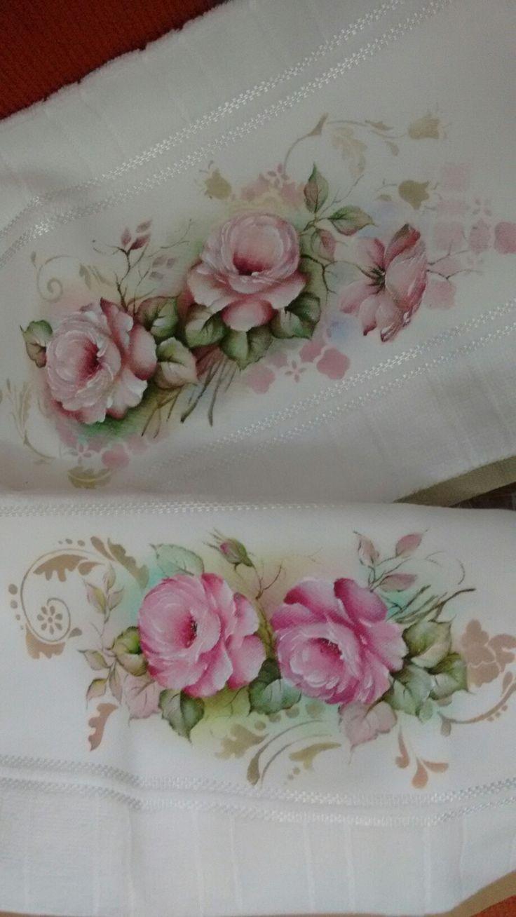 Pintura em toalhas por Tânia Pompermayer