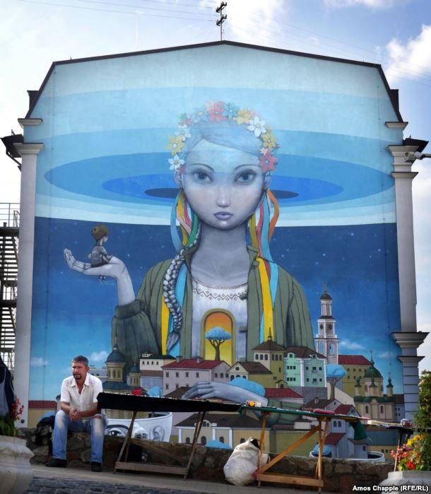 Подними глаза: как стрит-арт преобразил Киев (фото)