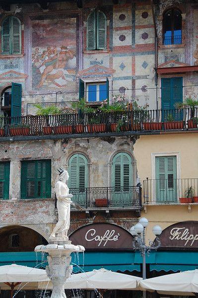 Piazza della Erbe, Verona: Beautiful Italy, Breathtak Travel, Travel Tips Italy, Italian Heritage, Verona Italy, Dreams Travel, Della Erb, Places I D, Italy Stuff