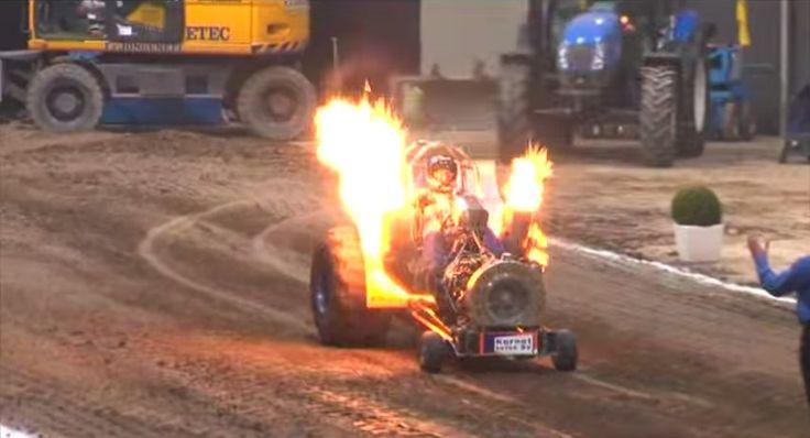 Tracteur pulling cracheur de feu