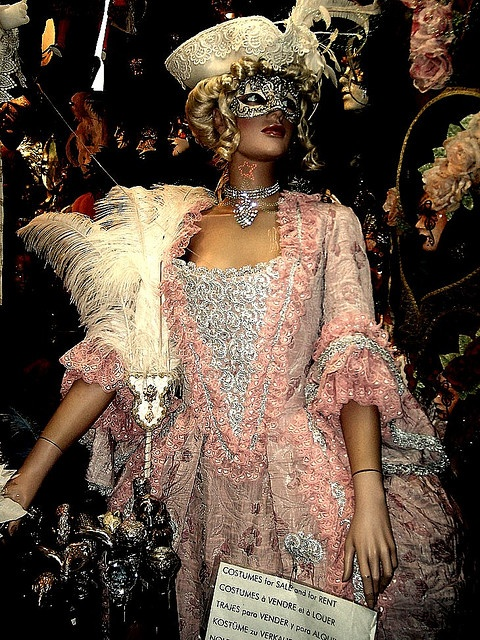 18 best Venice ball gowns images on Pinterest   Carnival of venice ...