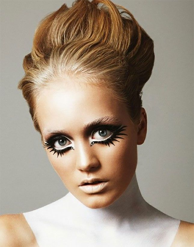 Give yourself a '60s glam look with Twiggy makeup.