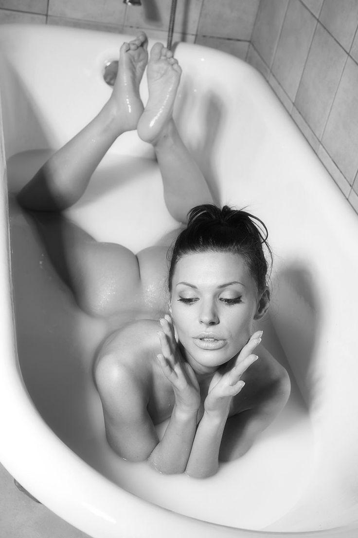 Frauen nackt Sex in der Badewanne haben, Sexy Yoga Mädchen