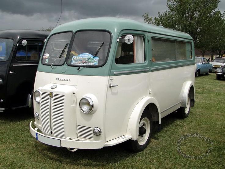 Peugeot D4B 1962 camping car.