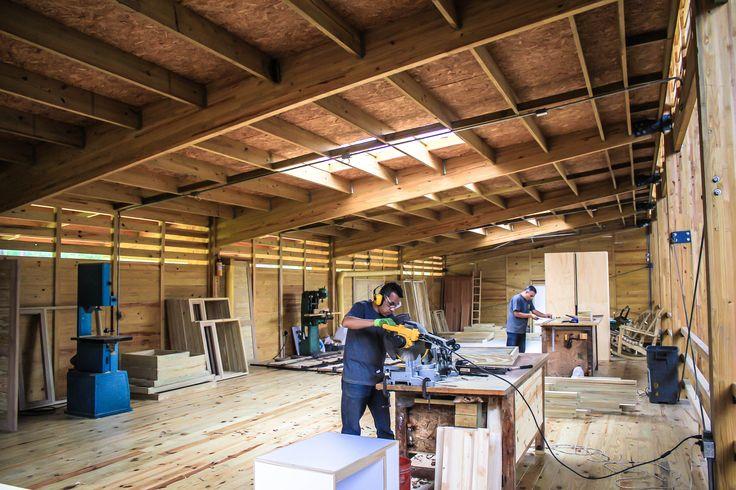 Mezzanine producción carpintería - Bodega producción Taller de Ensamble #woodarchitecture #wood #madera #casasenmadera #arquitecturaenmadera http://www.tallerdensamble.com