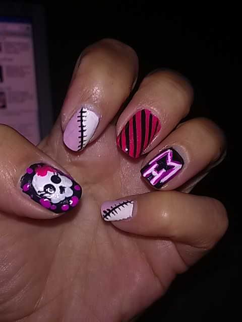 uñas Monster High para las niñas y madres :)
