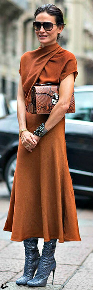 I just love this - the color is right/the unexpected shape @ the neckline/still…