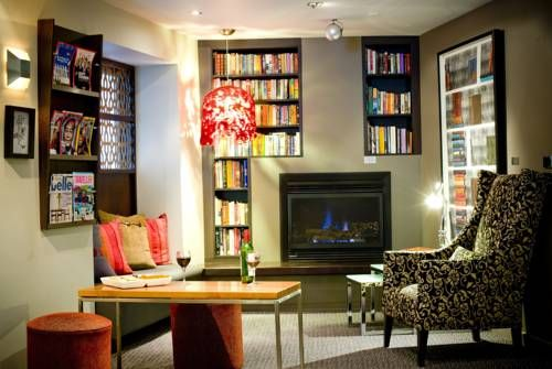 Alto #Hotel in #Melbourne #Australia is an eco-friendly boutique hotel with a large range of Victorian wines and cosy lounge areas. It can't get any better than this!