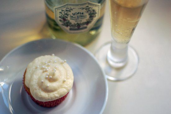 Favorite New Year's Treat: Sparkling Champagne Cupcakes