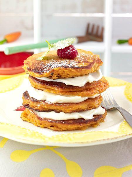 lecker geschichtet m hrenkuchen pancakes mit frischk se frosting brunch ideen pinterest. Black Bedroom Furniture Sets. Home Design Ideas