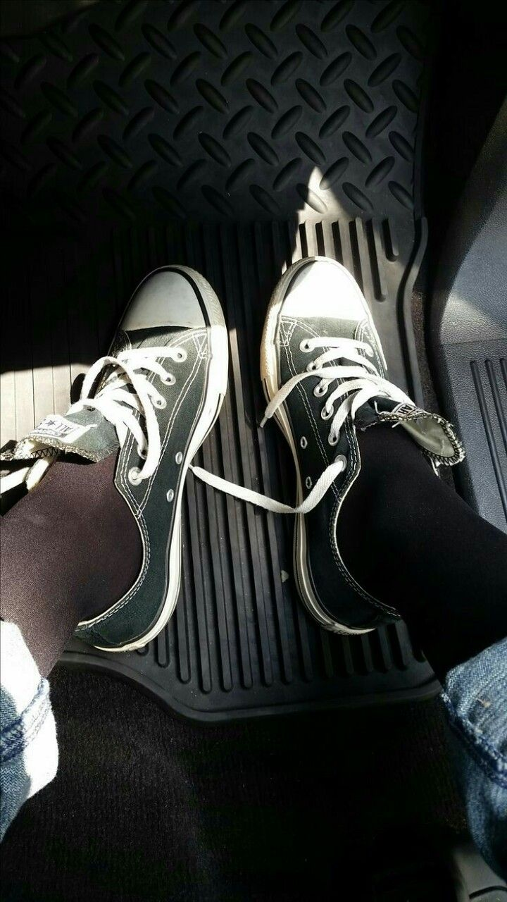 """converse-diaries: """"#converse #tights #streetstyle """""""