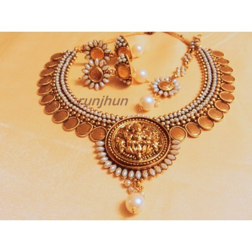 goddess laxmi pearl and ginni necklace set