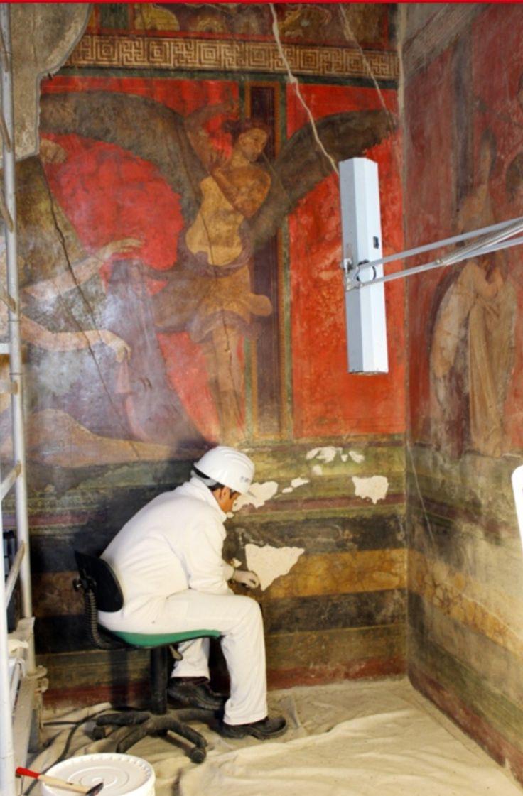 """Restauro del salone della """"Megalografia"""" - Villa dei Misteri - Pompei"""
