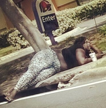 Taco Time! People of Walmart Compete for Hottest Girls of Taco Bell - Fashion Fail - Funny Pictures at Walmart http://ibeebz.com