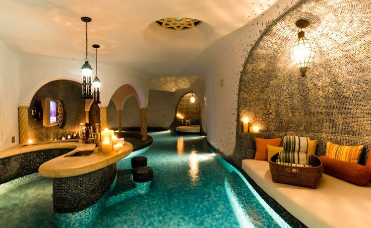 Hallway-Pools- Bet they throw a ton of pool parties