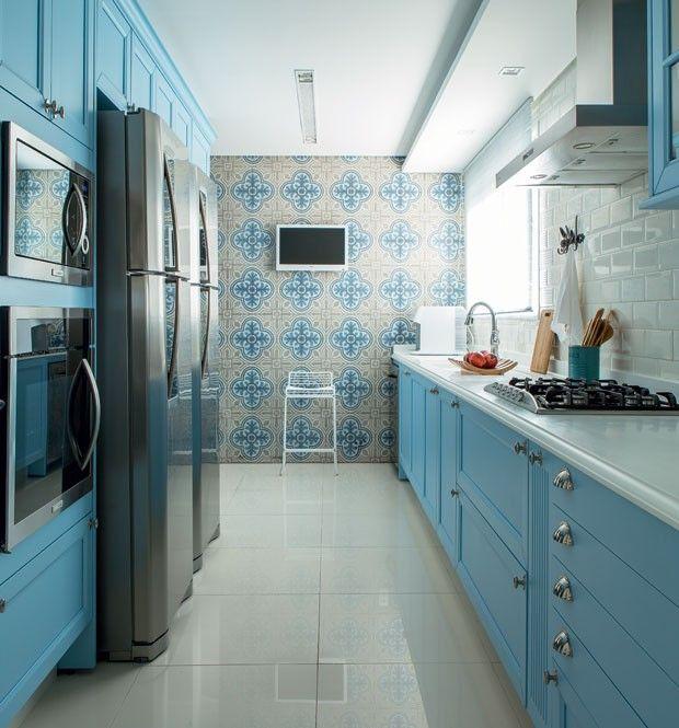 Cozinha com marcenaria sob medida ou móveis planejados? - Casa e Jardim   Cozinha