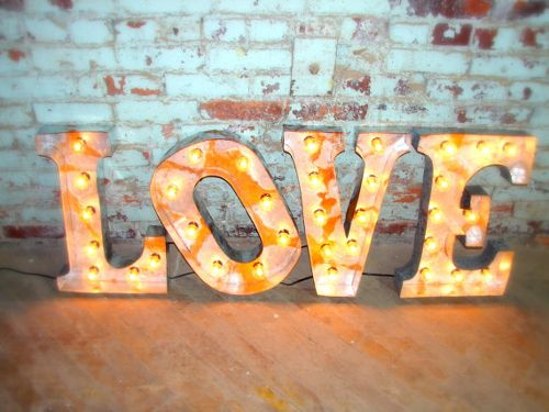 Decora tu boda con letras