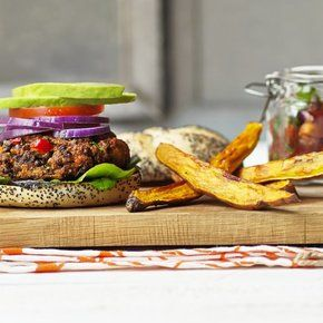 Channel your inner chef and learn how to make homemade burgers with Quorn Meat Free Mince. Enjoy your favourite meat free alternatives with…