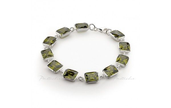 18.5cm bracelet with olive cubic zirconia, set in silver.