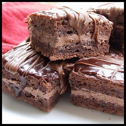 Amandine is a Romanian chocolate sponge cake filled with chocolate or almond cream.