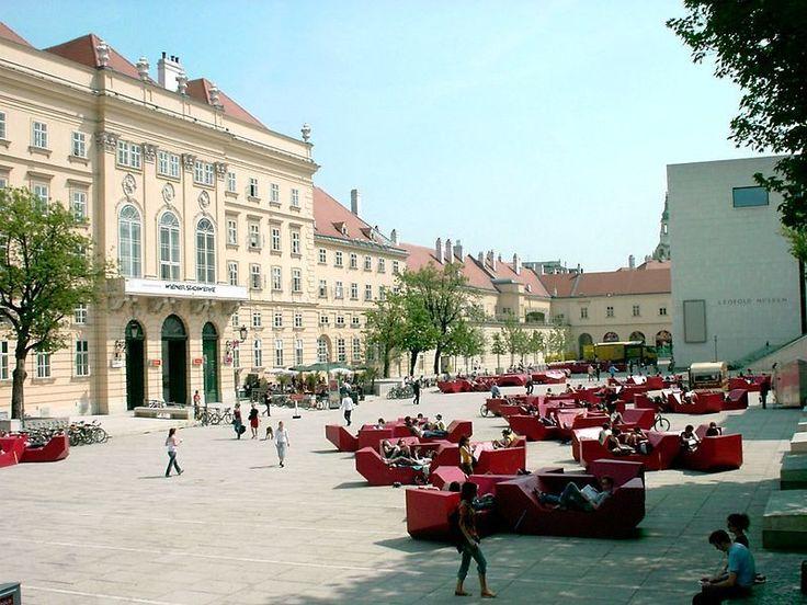 Wycieczka autokarem do Wiednia - Wiedeń Morawski Kras.  cena od 645zł/os.  Opis: http://biurokolumb.pl/index.php/2012-05-21-07-59-52/wycieczki-autokarowe/2012-05-21-08-02-13/2012-05-21-08-05-17/2012-05-21-08-09-55/wycieczka-autokarowa-do-austrii/wycieczka-autokarowa-do-austrii-morawski-kras
