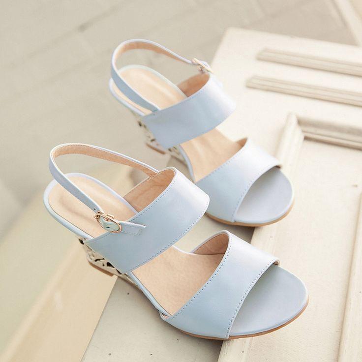 Goedkope chinese zoete stijl comfortabele sandalen zomer mode gesp fretwork wig hoge hak vrouwen schoenen zilver blauw beige groot formaat, koop Kwaliteit vrouwen sandalen rechtstreeks van Leveranciers van China:     Beste koper: kunt u volgens onze size tafel kiezen die geschikt zijn voor uw maat:   De meeste van