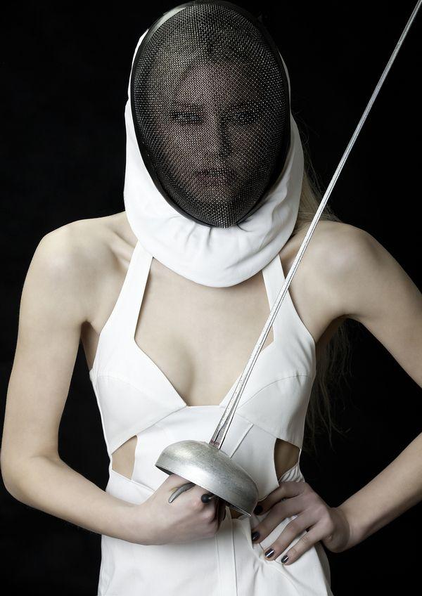 fencing, fencer, girl fencer, fencing mask, epee, esgrima, esgrimista, chica esgrimista, careta, máscara, espada