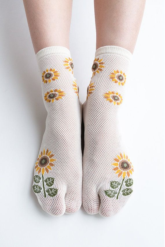 Women New Hezwagarcia Must Have Japan Edition High Quality Tabby Split Toe Socks Sun Flower Ivory