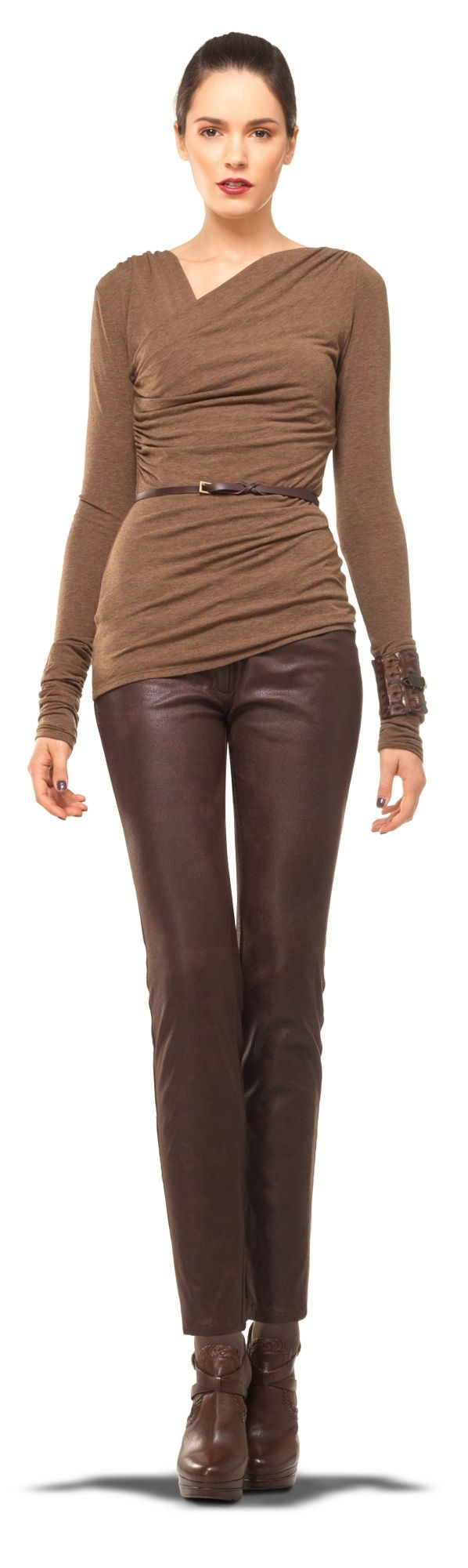 leather pant.-naturall- deri- suni deri- renkli deri pantolonlar-trend modeller-nasıl-giyilir-nereden-alınır-klas-şık--kahve der
