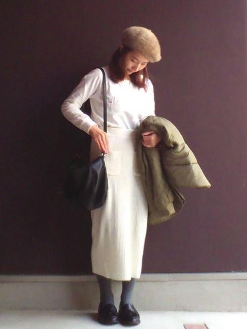 [スウェットプルオーバー] に  [リブタイトニットスカート] で ホワイト ✖️ ホワイト
