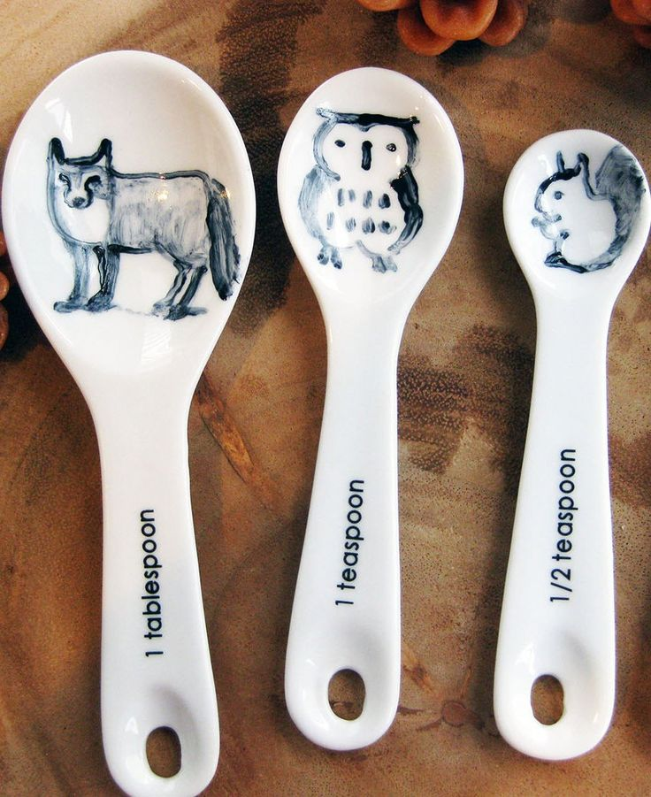 Yes, we know what you're thinking. Those *are* hand-painted animals on measuring spoons.