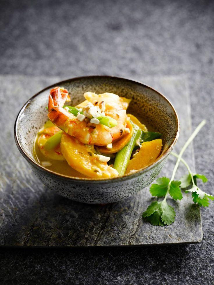 Scampi in curry met pompoen  https://njam.tv/recepten/scampi-in-curry-met-pompoen