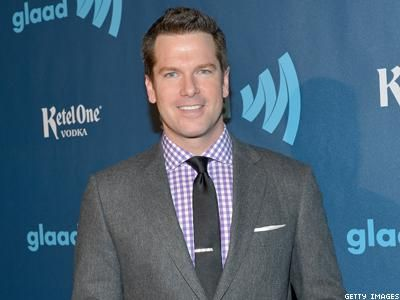 Thomas Roberts: Man of the Hours: The out anchor's role expands with a two-hour midday gig on MSNBC