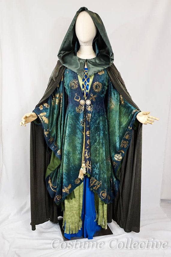 Winifred Sanderson Hocus Pocus DELUXE Version by CostumeCollective