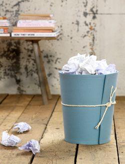 Een simpele prullenbak knap je heel eenvoudig zelf op, gewoon met vilt!