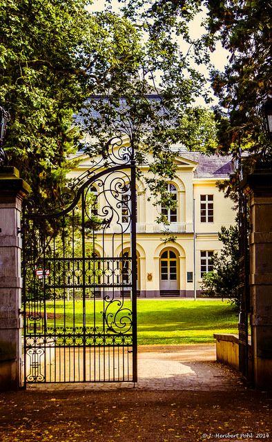 Düsseldorf, Eller, Schloss Eller   Flickr - Photo Sharing!