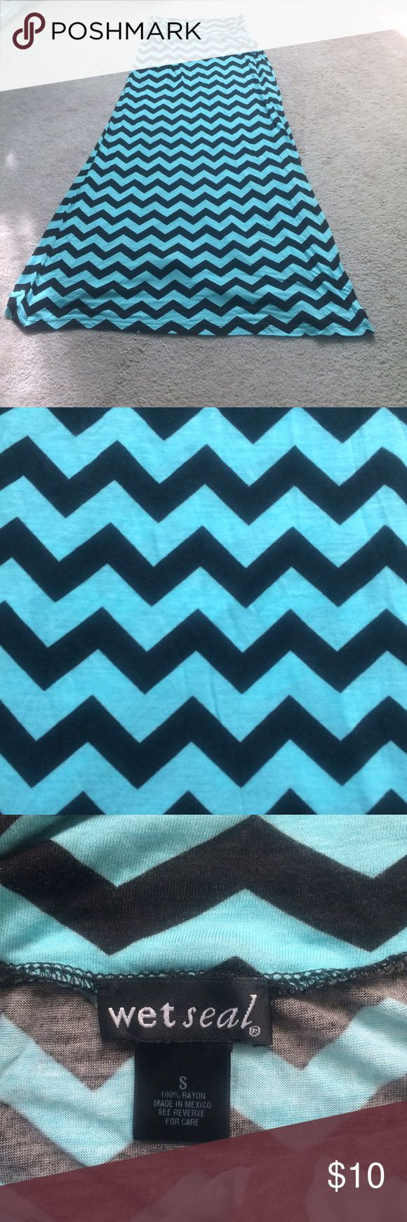 Zig zag chevron maxi skirt Aqua and black chevron maxi skirt. Never worn. Wet Seal Skirts Maxi