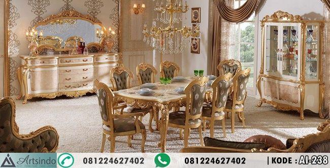 Jual Set Meja Makan Gold Ukir Model Elegan Klasik Eropa Dengan Model 8 Kursi Berbahan Kayu Pilihan Kualitas Bagus ,Lemari Hias dan Credensa / Bufet Hias