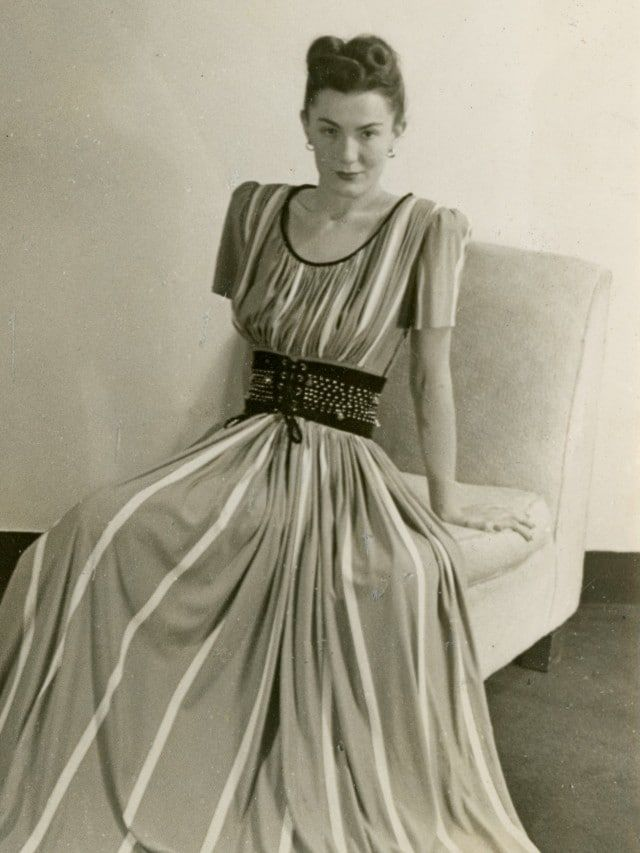 The Designer Who Radically Suggested That Women Should Wear What S Comfortable Fashion Inspiration Design Claire Mccardell Vintage Fashion Photography