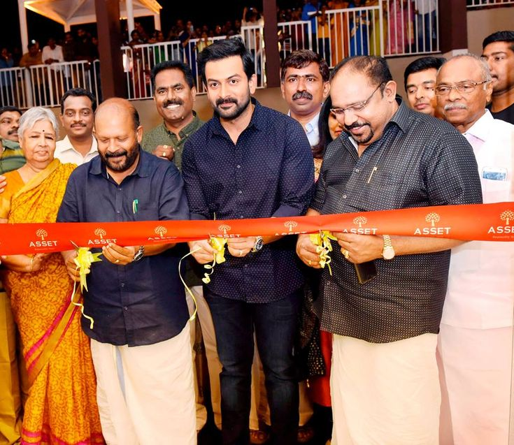 Inaugural function of Asset Chiraag, Thrissur, the 53rd completed project of Asset Homes. Minister for Agriculture, Government of Kerala, Sri V. S. Sunil Kumar, Asset Homes Brand Ambassador, Sri Prithviraj Sukumaran and Padma Shri Dr. Sundar Menon, jointly inaugurate ASSET Chiraag. #assethomes #realestatekerala #news #prithviraj