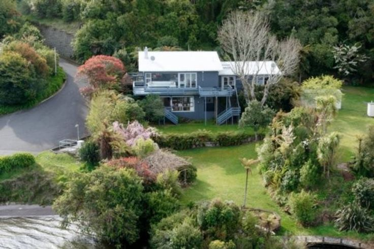 Check out this awesome listing on Airbnb: Lakeside Dream - Houses for Rent in Rotorua