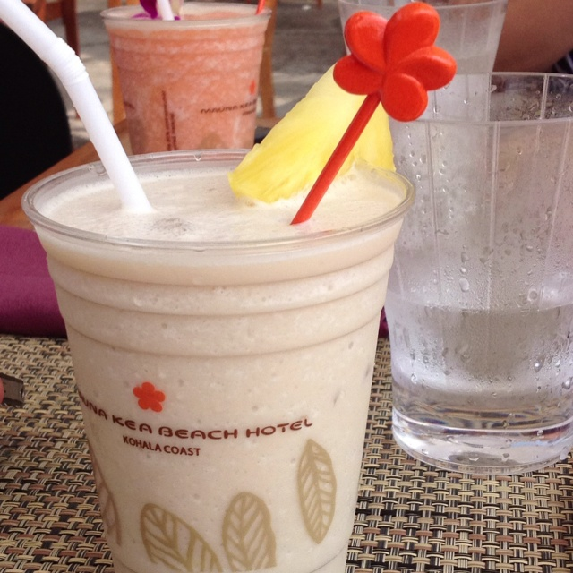 Drinking a piña colada.: Pina Colada, Things Kim