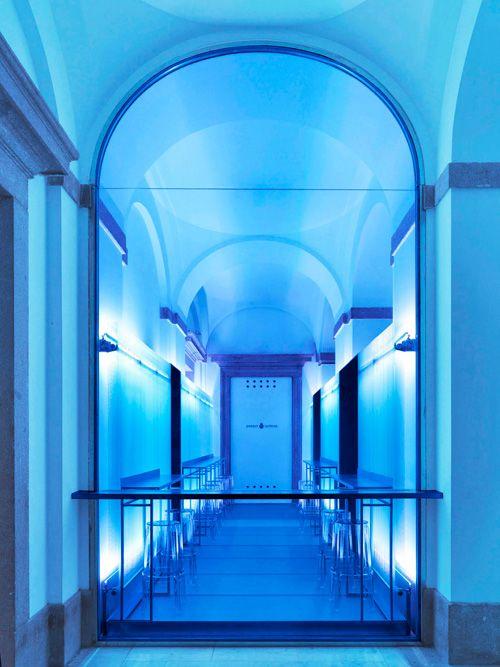 http://nuevo-estilo.blogs.nuevo-estilo.es/2012/03/13/una-copa-en-bombay-sapphire-room/