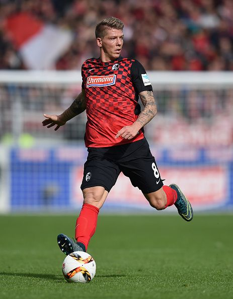 Mike Frantz of Freiburg controls the ball during the Second Bundesliga match between SC Freiburg and SpVgg Greuther Fuerth at SchwarzwaldStadion on...