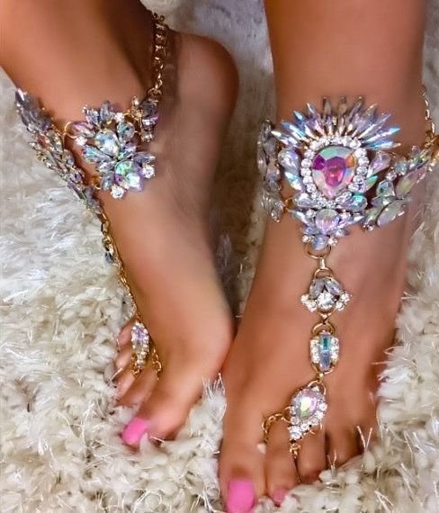 Tali Jeweled BareFoot Sandals Bling Foot Jewelry Summer Boho Gypsy Barefoot Sandals Ankle Chains Crystal Beach Barefoot Wedding Sandals Barefoot Brides #barefootsandals #boho