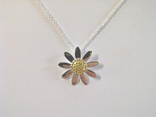 """Necklace - DAISY - Sterling Silver and Gold  Item 1105831864    I love you... I love you not... I love you!    With nine pretty petals, this daisy will always say """"I love you""""!"""