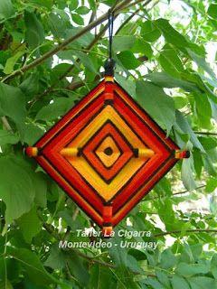Mandalas Uruguay: Mandala Ojo de Dios - God's Eye - Artesanía realizada en lana y madera - Hecho a mano en Uruguay
