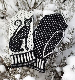 Mittens with a traditional Scandinavian construction, but with a more modern patterning with a stylized cat silhouette, and a simple dot pattern. Luse means lice, the small single stitches looks like tiny lice, just as in traditional Norwegian sweaters. Luse+ katt (cat) = Lusekatt!
