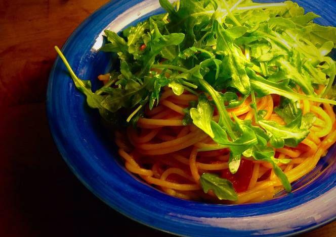 Spaghetti Marinara Recipe -  Yummy this dish is very delicous. Let's make Spaghetti Marinara in your home!