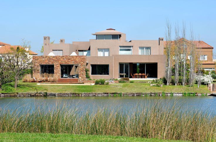 Arquitectura - Paisajismo - Ricardo Pereyra Iraola - Buenos Aires - Argentina - Nordelta - Lago - Casa